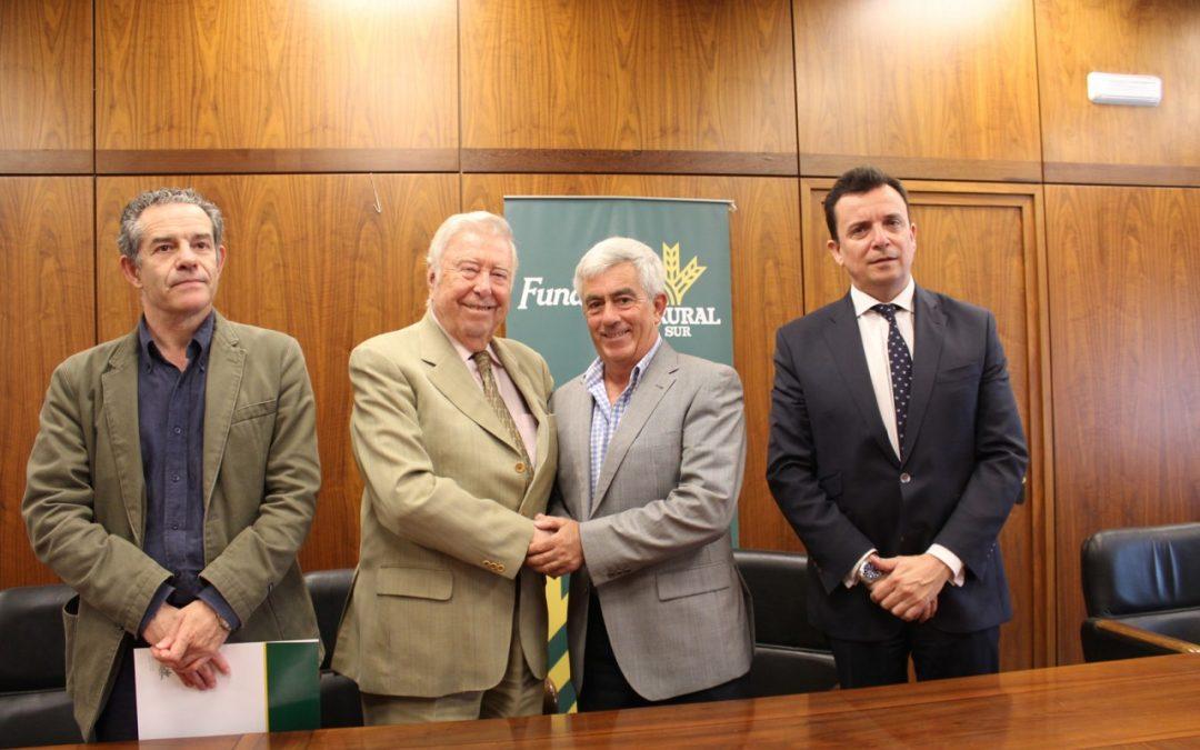 La Fundación Caja Rural del Sur sella su alianza con el Congreso Internacional de Frutos Rojos